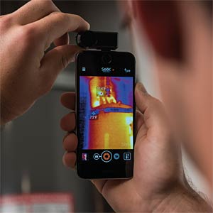 SeeK thermal imaging camera for iPhone, -40 to +330°C SEEK THERMAL LT-EAA
