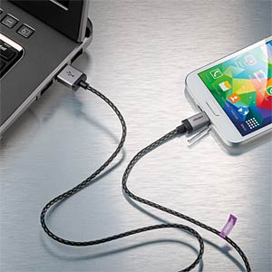 0.3-m USB sync and charging cable for Samsung and HTC CABSTONE 44111