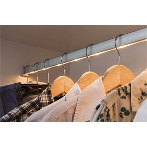 Dresslight clothes rail, IR sensor 60, LED, 4xAAA PAULMANN 70501