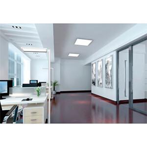 LED-Schreibtisch- Stehleuchte, 80 W, 7040 lm, 4100 K, weiß SYNERGY 21 149508