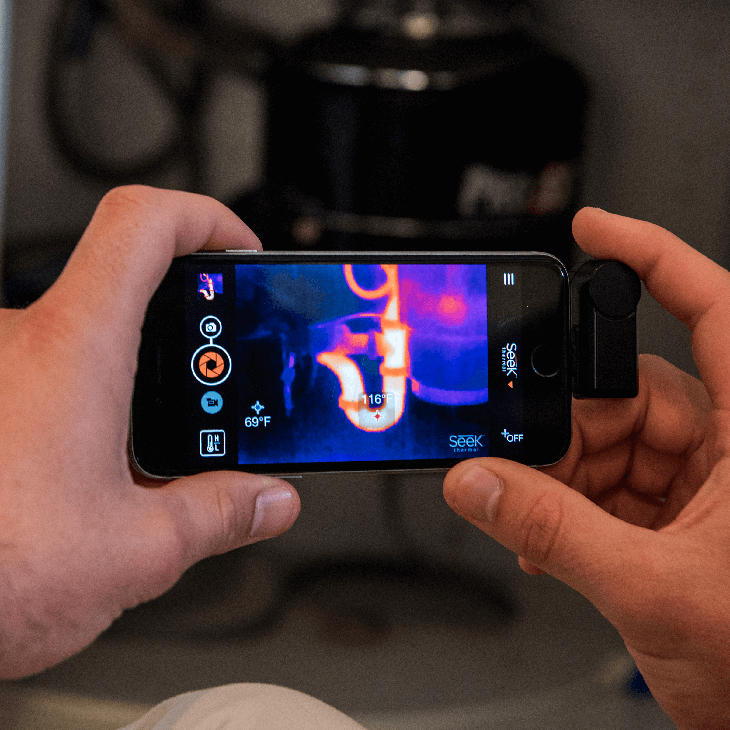 Seek Thermal Camera >> Compact Ios Seek Thermal Imaging Camera For Iphone 40 To 330 C