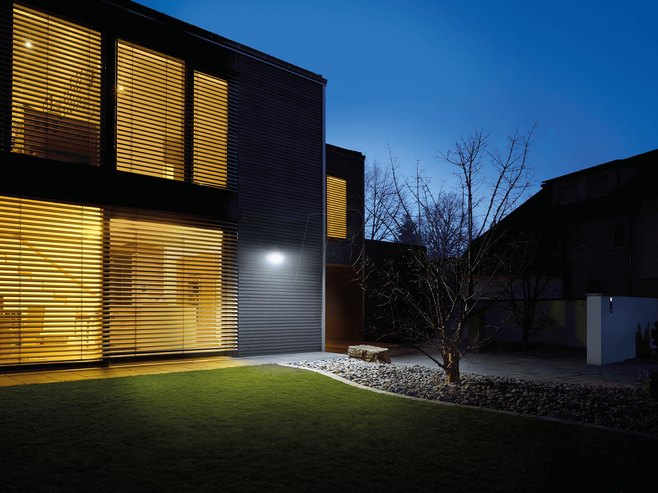 steinel 671013 led solarleuchte strahler mit bewegungsmelder xsolar l s bei reichelt elektronik. Black Bedroom Furniture Sets. Home Design Ideas